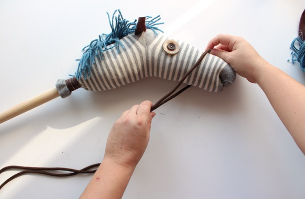 34-stick-horse-cord